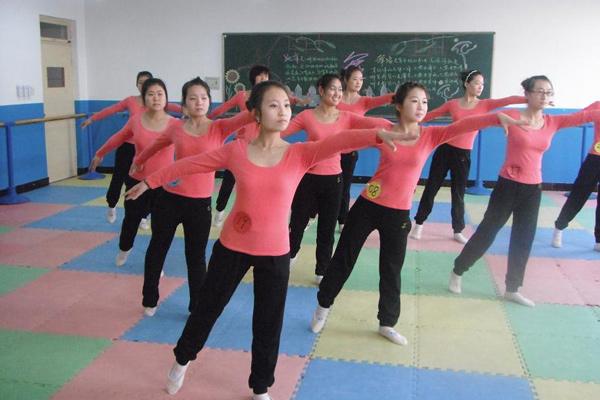 幼儿舞蹈教育专业