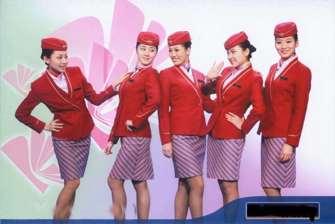 航空乘务不看颜值,看服务。